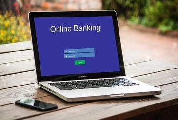 Kaj je dobro vedeti o spletnih tujih bankah: kratka primerjava N26, Revolut in Monese